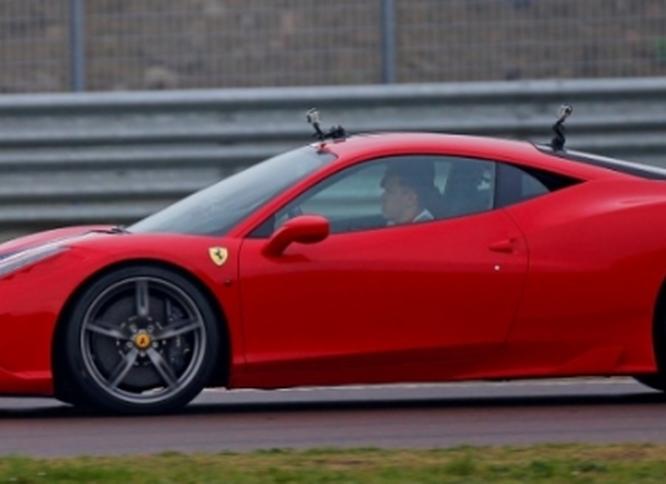 Vettel-Seb-Fiorano-Ferrari-458-Italia-29-novembre-2014