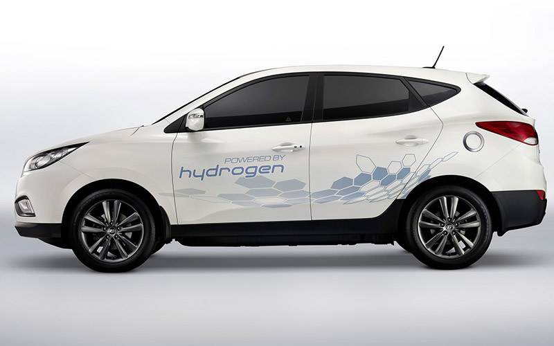 hyundai-tucson-ix35-fuel-cell-crossover-side-view