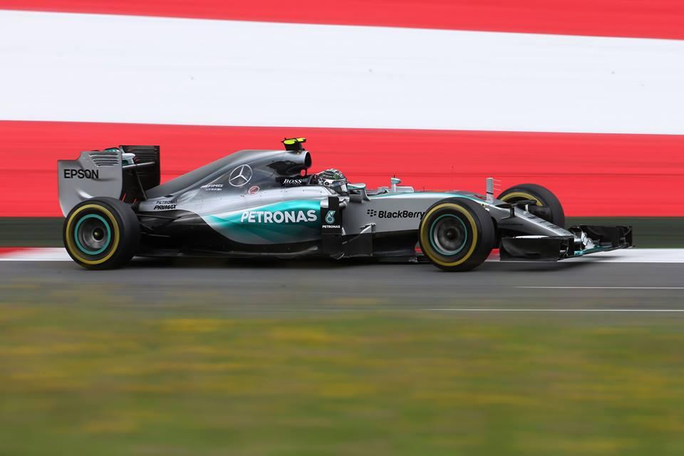 Фото © Mercedes AMG Petronas