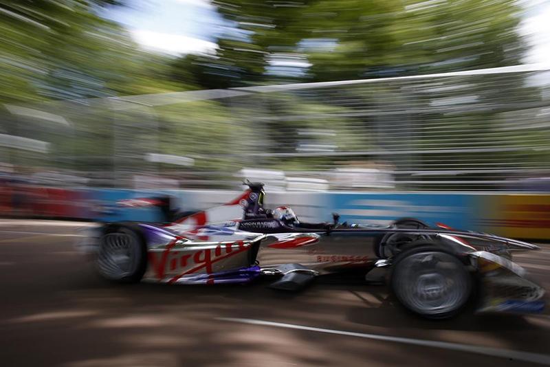 motormania_virgin_racing_1