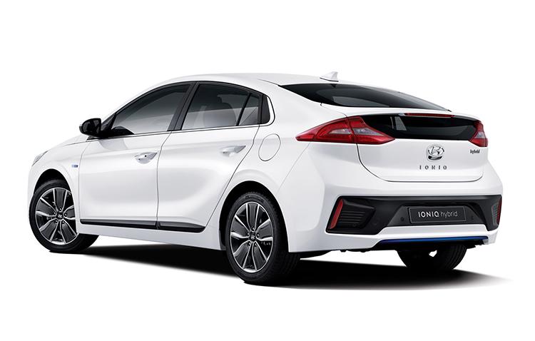 2016-Hyundai-IONIQ-1