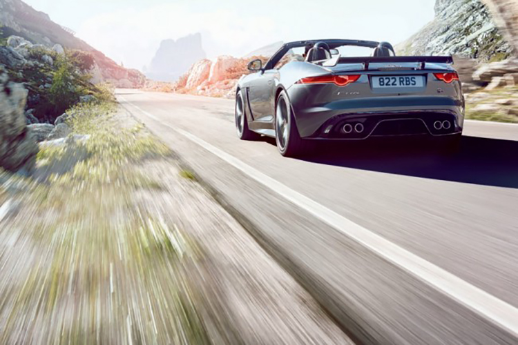Jaguar_F-Type_SVR_5