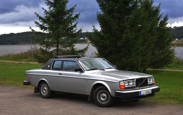 Volvo_262_Coupe_Bertone