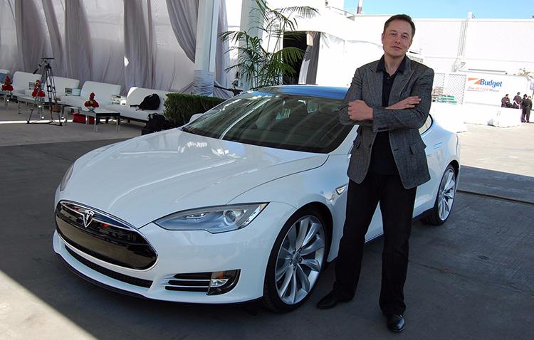 Новый электромобиль Tesla Model 3 будет стоить 25 тыс. долларов