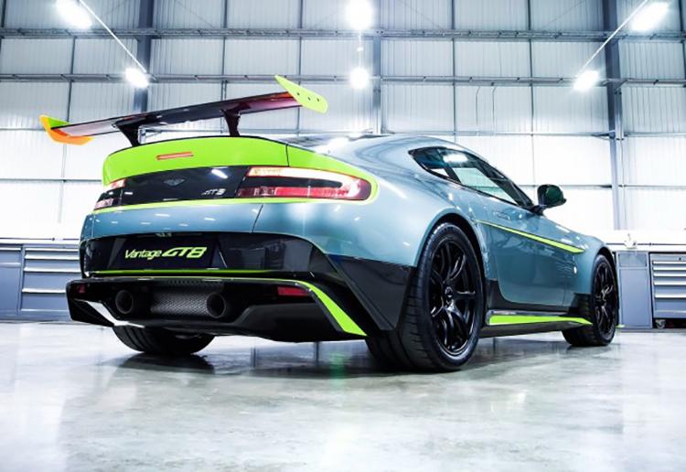 Aston_Martin_Vantage_GT8_146072809345556678