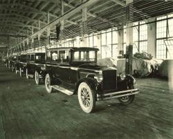 Одновременно в цехах Brooks находилось до 200 автомобилей