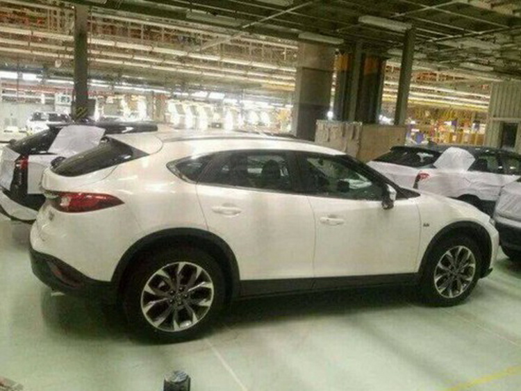 mazda-cx-4-spy-photo-18-04-2016-6
