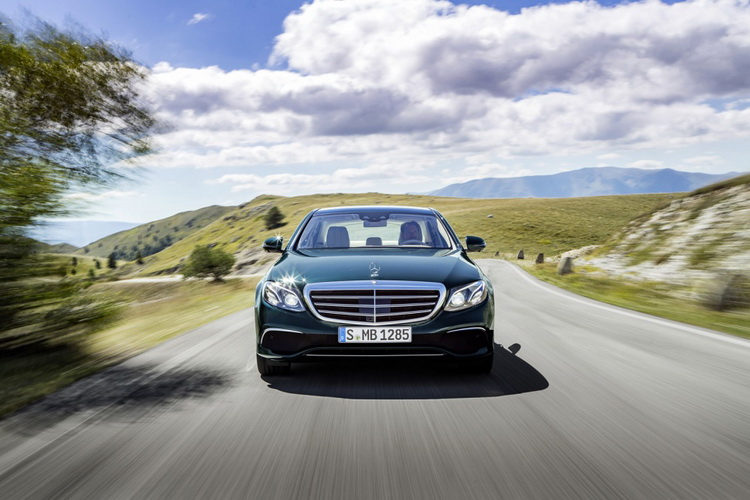 Представлено официальный видеоролик нового купе Мерседес Бенс  E-Class Coupe
