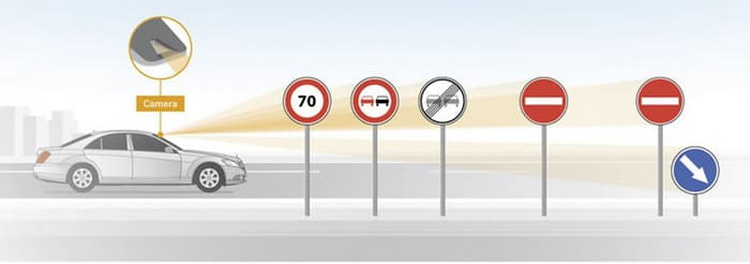 mercedes-traffic-sign-1