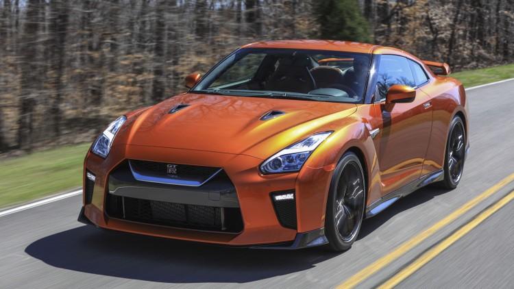 Следующее поколение Nissan GT-R может получить гибридный двигатель