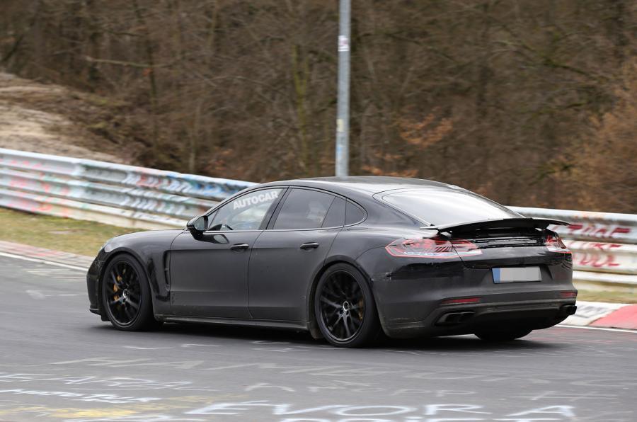 Ранее замеченный тестовый прототип нового Porsche Panamera