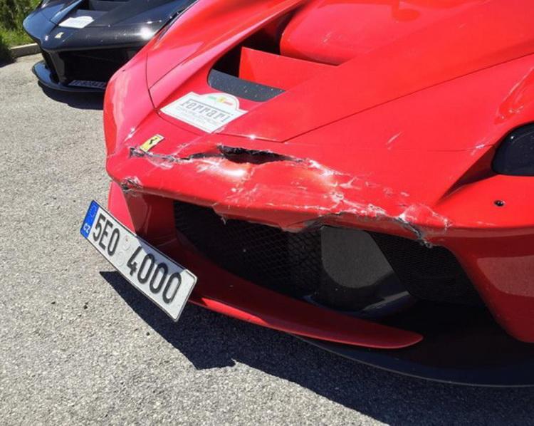 Ferrari-LaFerrari-Crash-01-07-2016