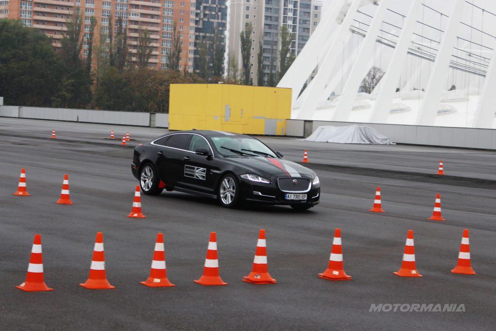web-motormania-jaguar-test-18