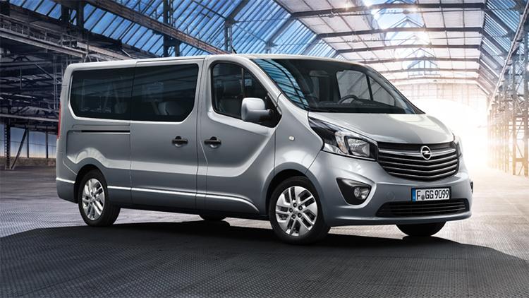 Opel_Vivaro_Combi_34