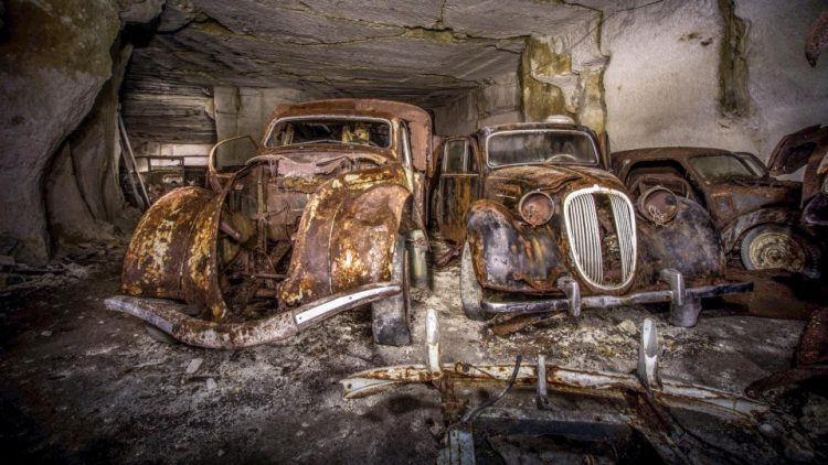 ВоФранции отыскали спрятанные под землей стародавние автомобили— Подарок из предыдущего