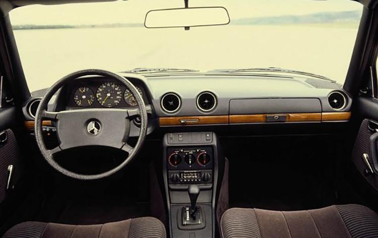 w123-interior-102