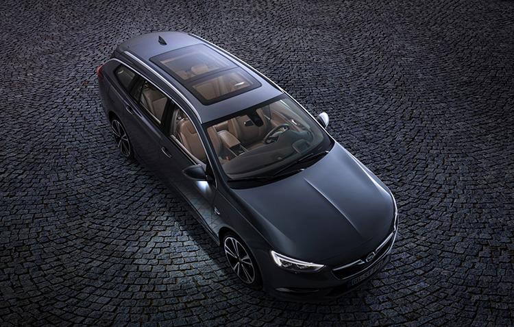 Opel Insignia Sports Tourer: первые официальные фотографии