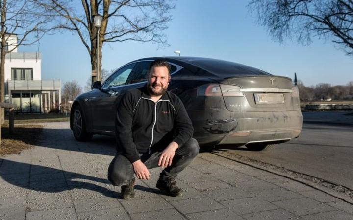 Шофёр электрокара спас человека наавтобане— Tesla-тормоз
