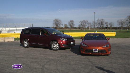 Chrysler Pacifica vs Toyota 86 (1)