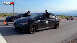 Giulia Quadrifoglio vs BMW i8 (1)