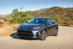 2017-Toyota-Corolla-XSE-front-three-quarter-in-motion-05