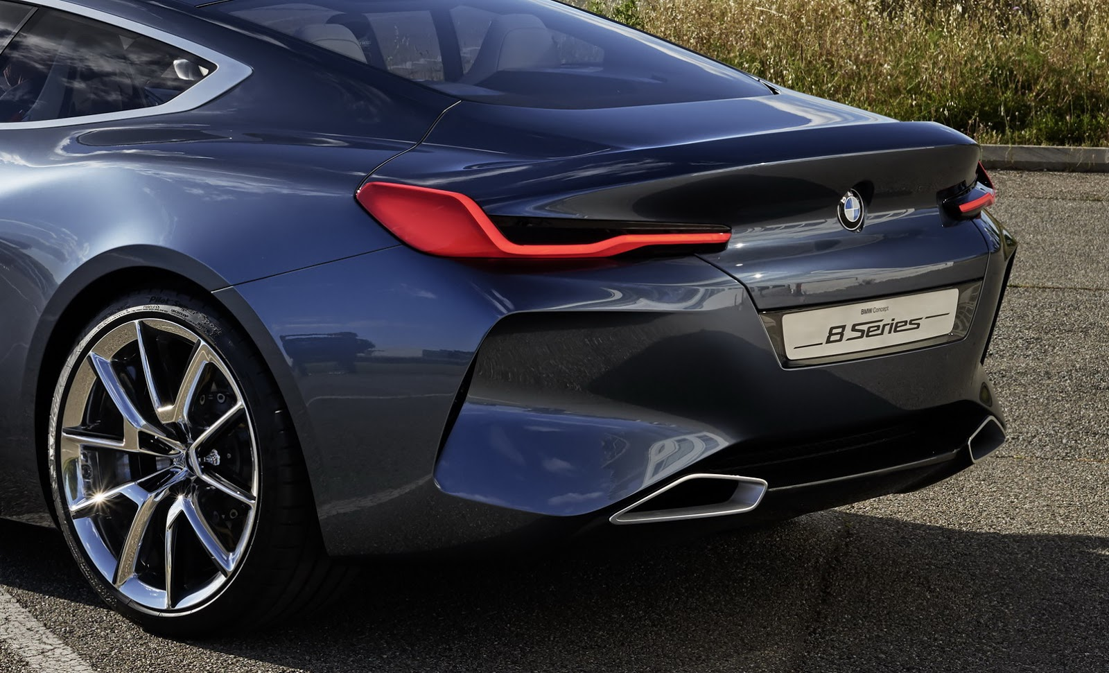 BMW-2019-8-Series-Concept-02