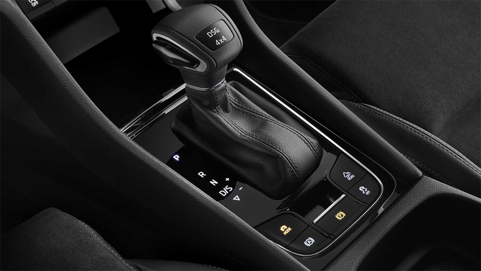Škoda представила новый кроссовер поимени Karoq