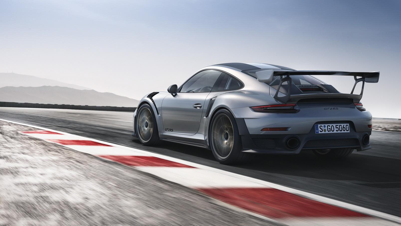2018-Porsche911GT2RS-03