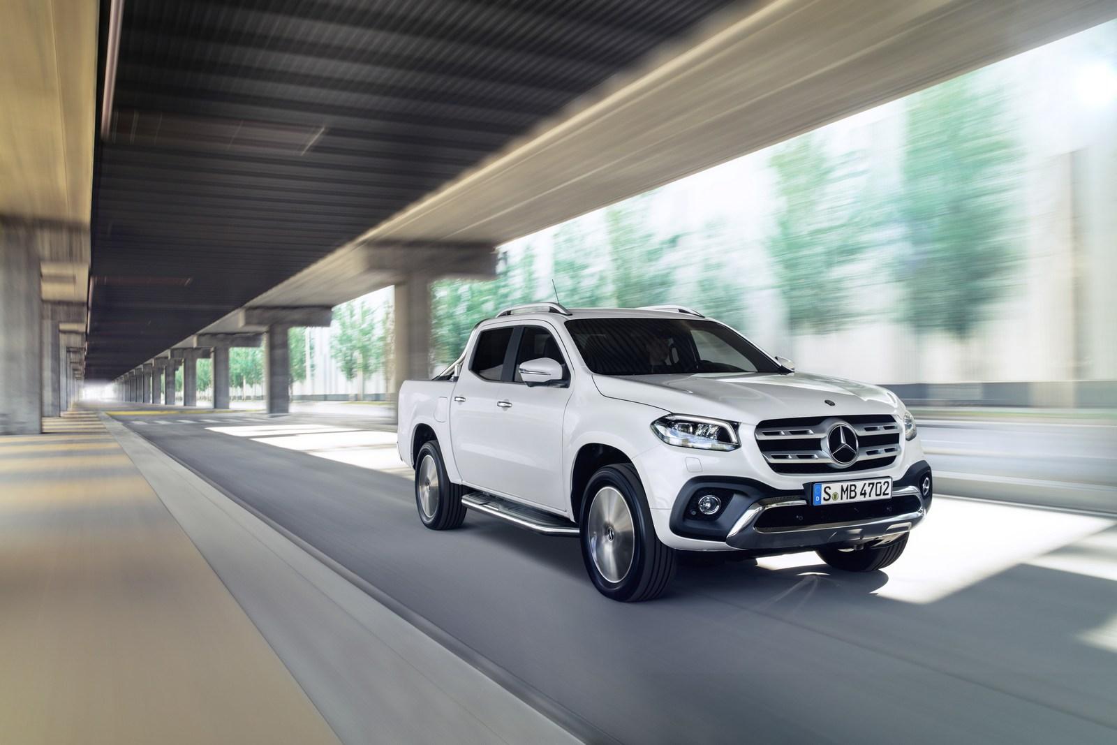 Mercedes-Benz X-Klasse – Exterieur, Beringweiß metallic, Ausstattungslinie POWER Mercedes-Benz X-Class – Exterior, bering white metallic, design and equipment line POWER