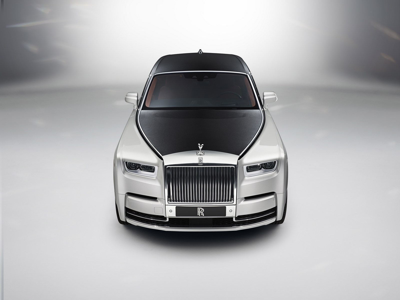 Rolls-Royce-Phantom-18