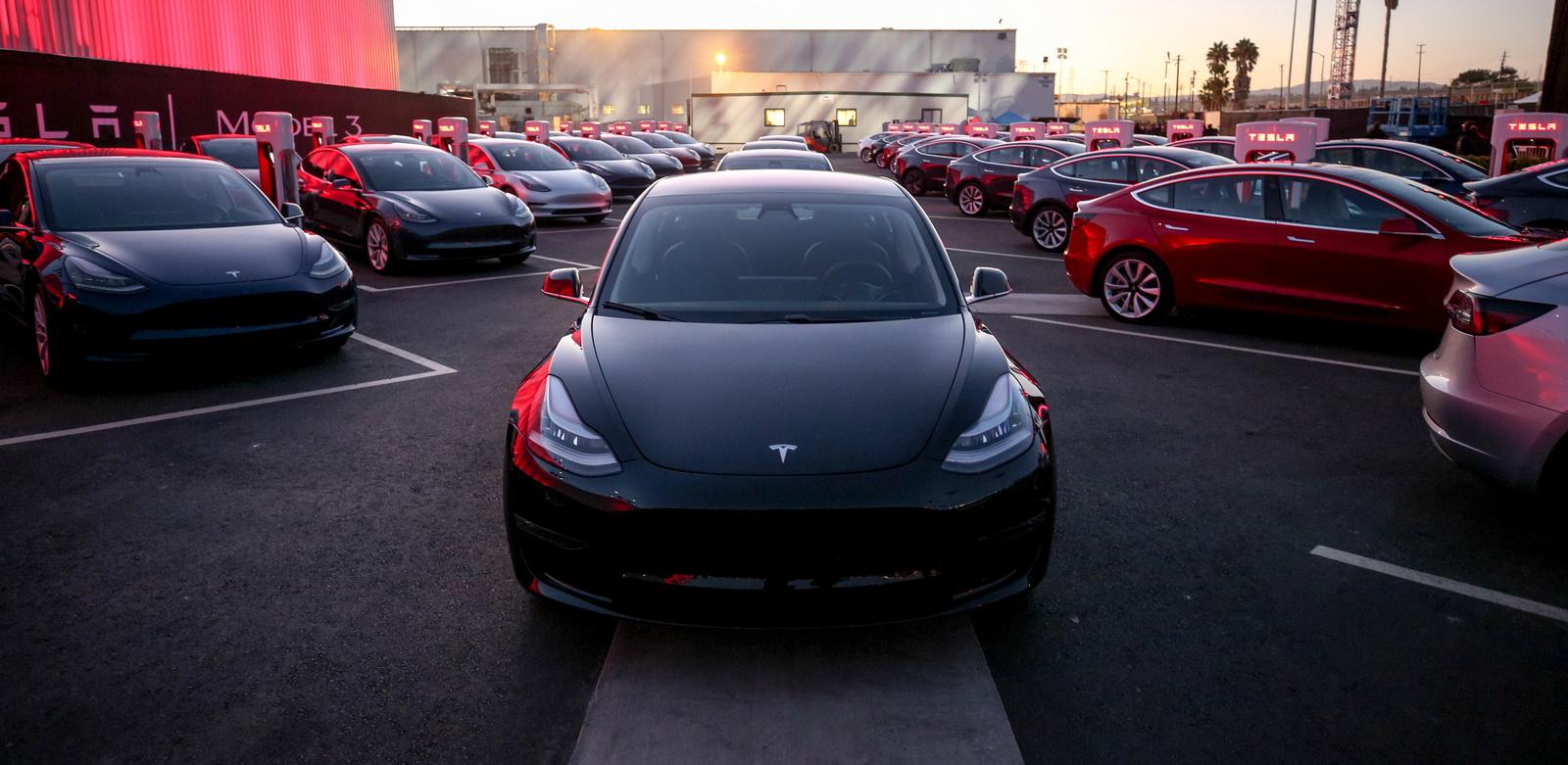 Tesla-Model3-04