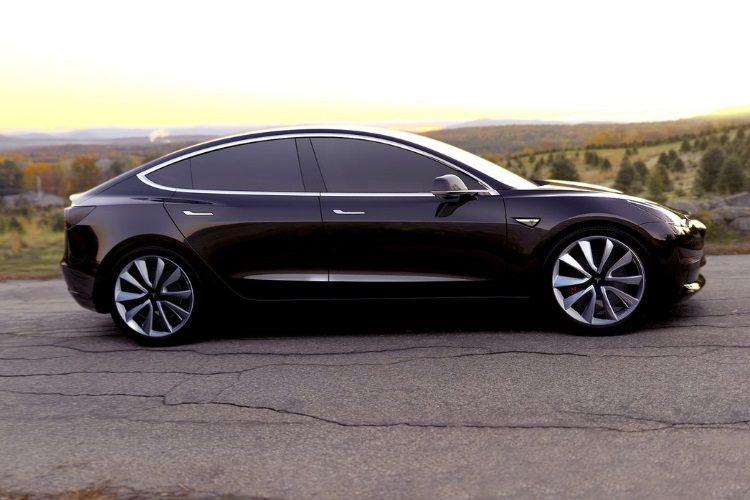 «Тесла» ускорила Model SиModel X