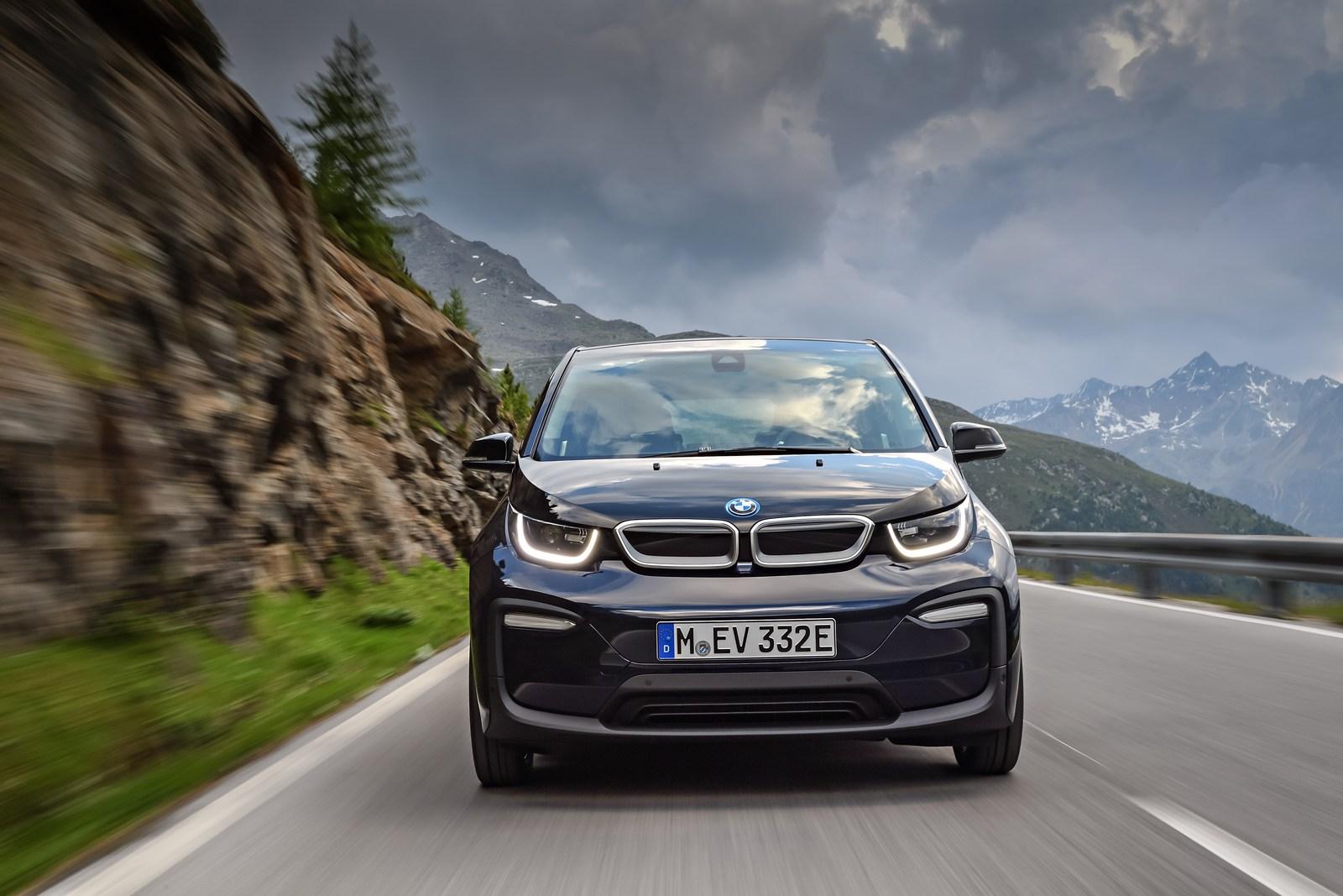 2018-BMW-i3-12