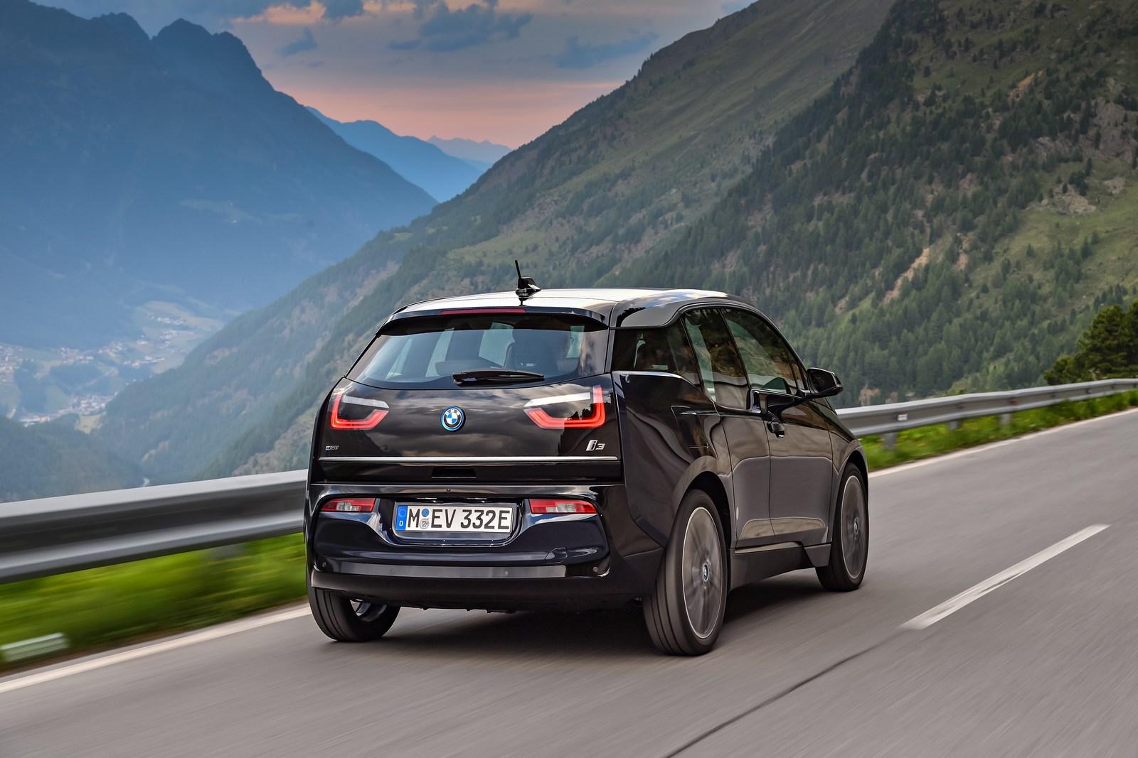 2018-BMW-i3-24