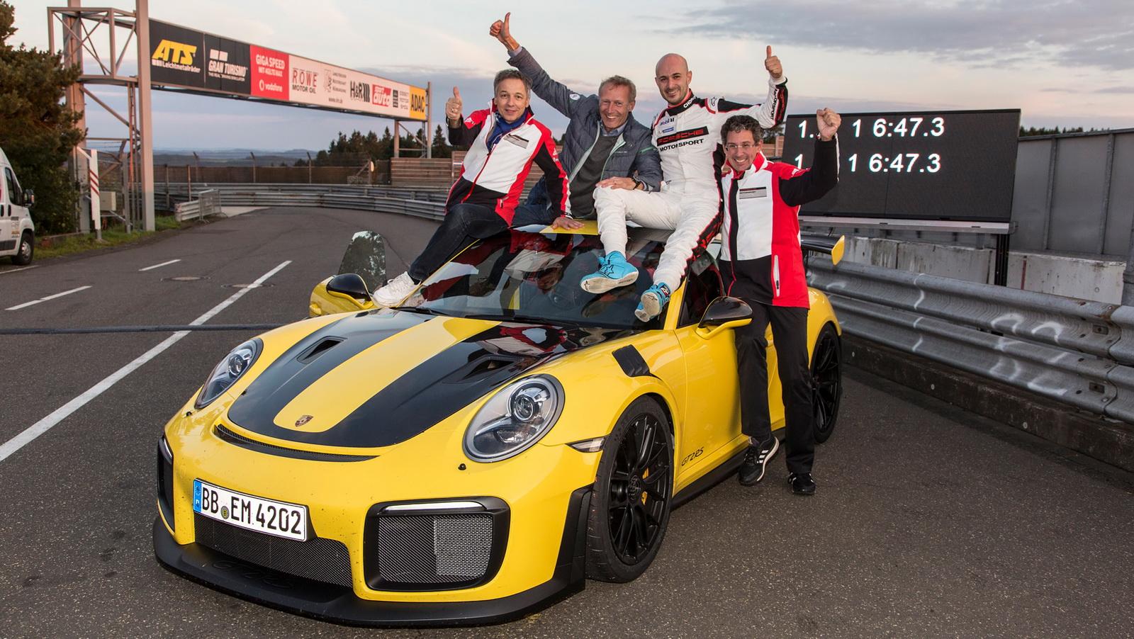 2018-porsche-911-gt2-rs-nurburgring-record-7