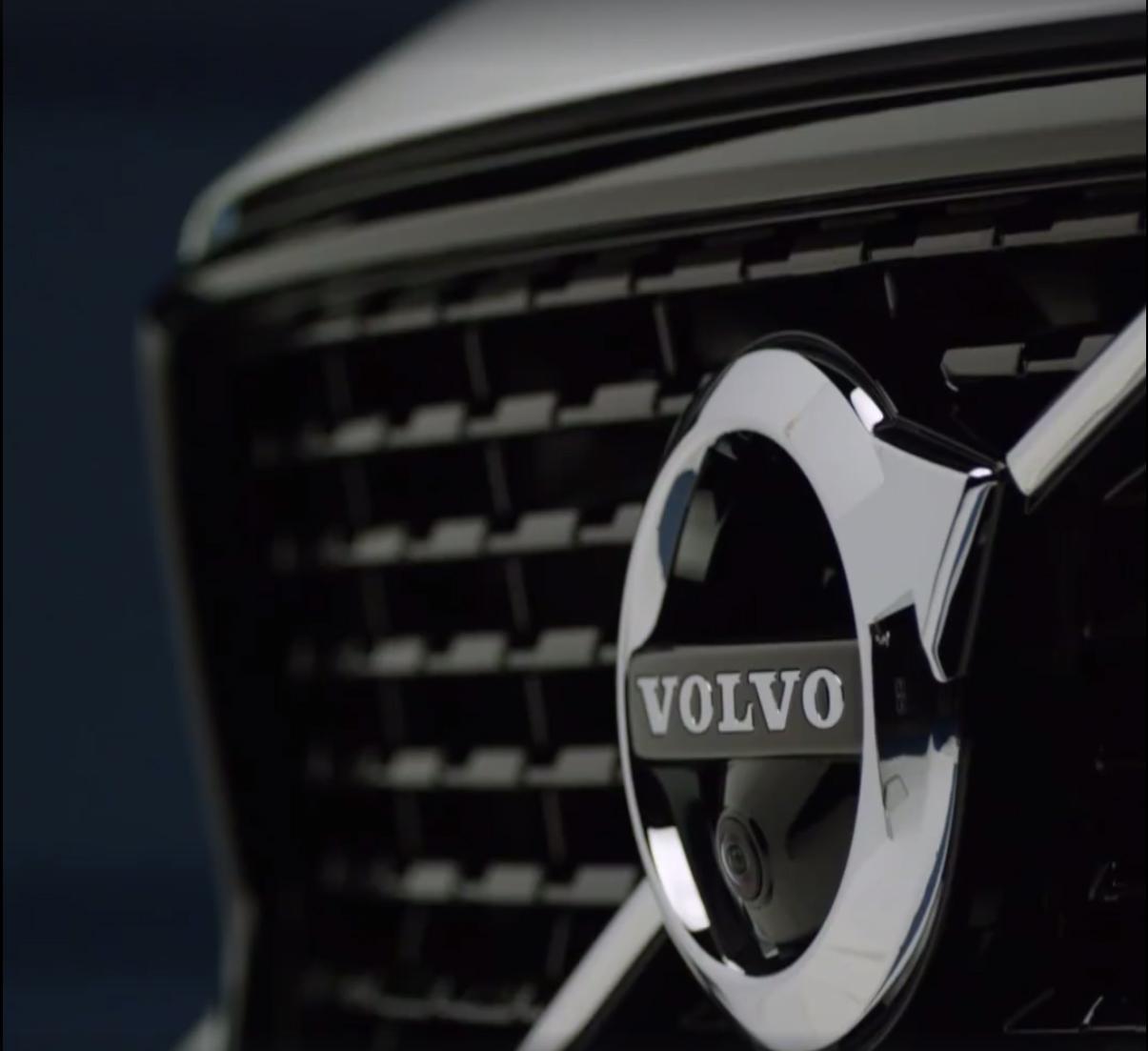 Volvo-XC40-26Carscoops