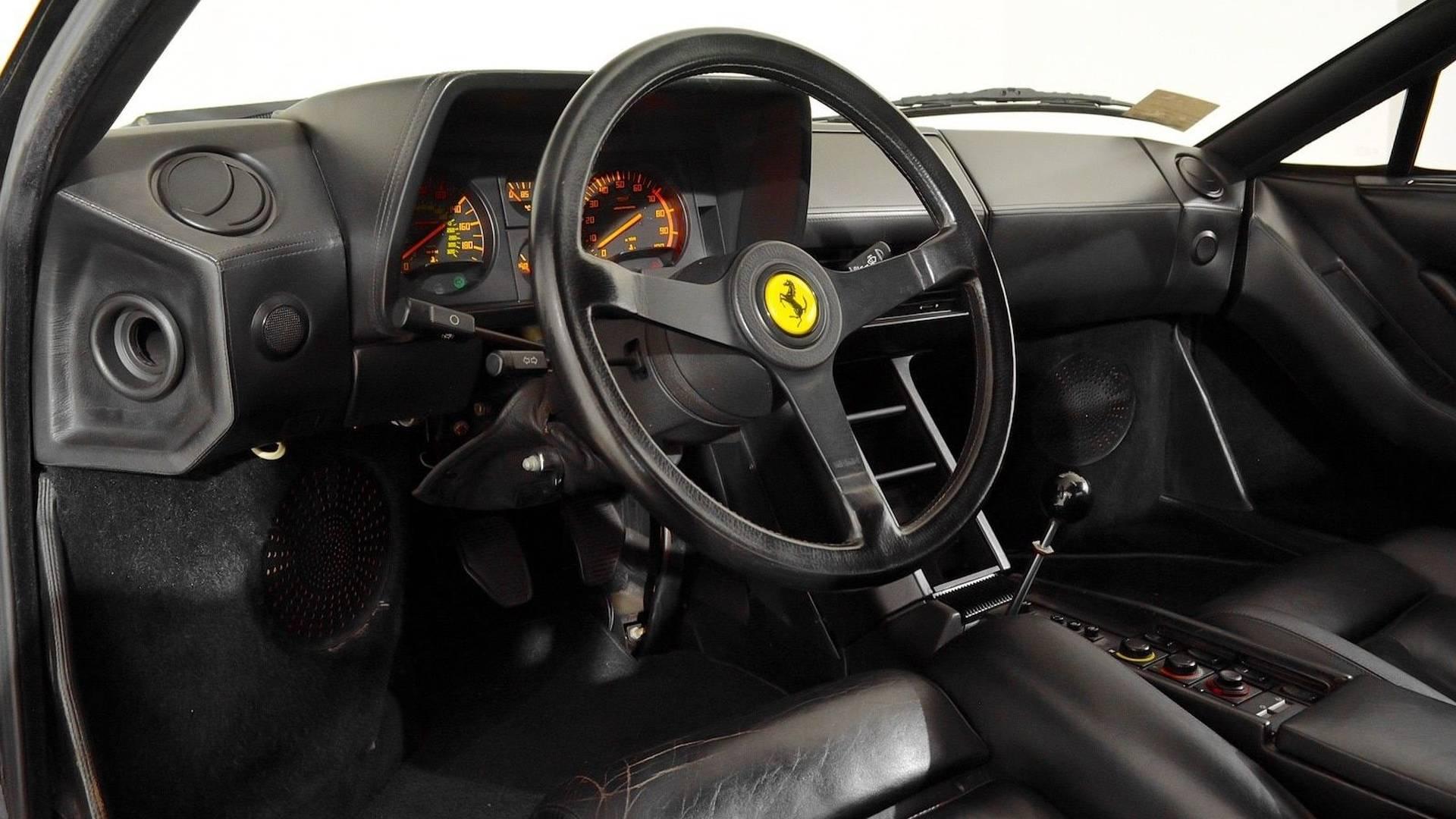 http://www.motormania.com.ua/wp-content/uploads/2017/12/1986-ferrari-testarossa-convertible-3.jpg