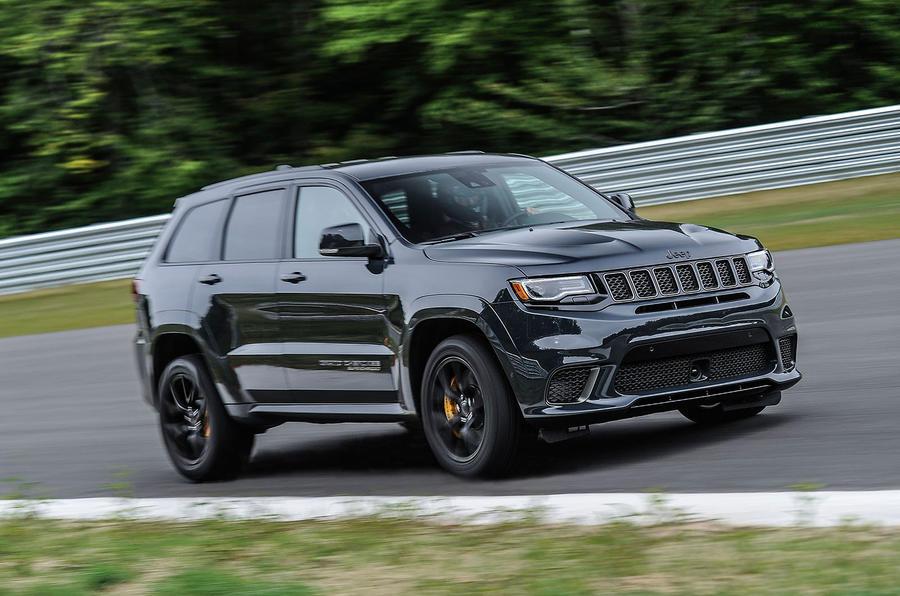 Новый кроссовер Jeep Cherokee в предстоящем 2018 получит гибридный мотор