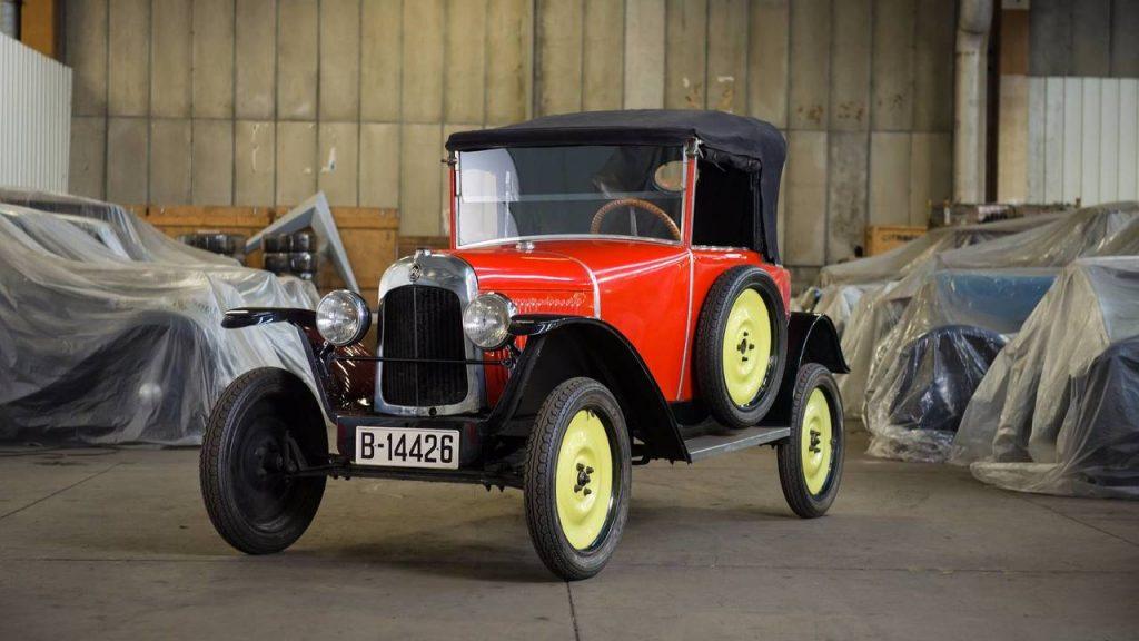 1924 Citroën Тип C 5 HP Самый старый из представленных, тип C весил всего 600 килограммов. Также была отмечена максимальная скорость 60 км/ч. Продано: 12 500 евро.