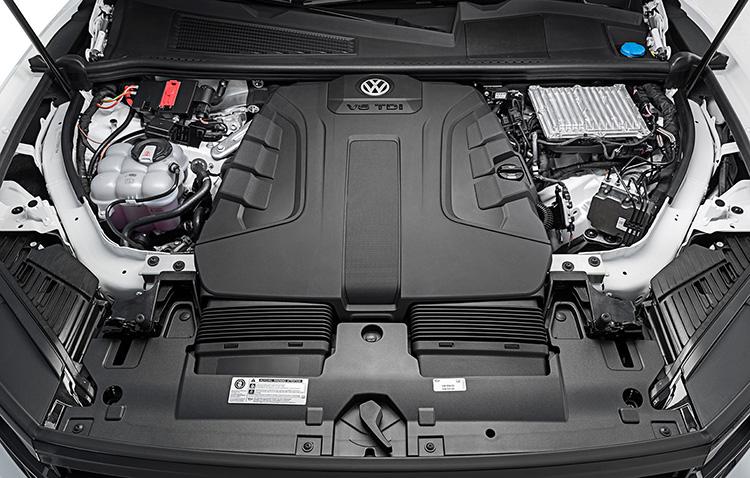 Двигатель V6, V8 нового Volkswagen Touareg 2018